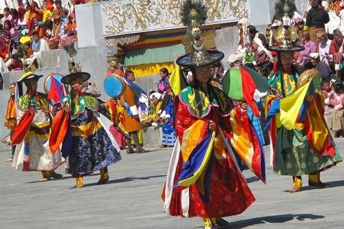 gangtey-festival-bhutan